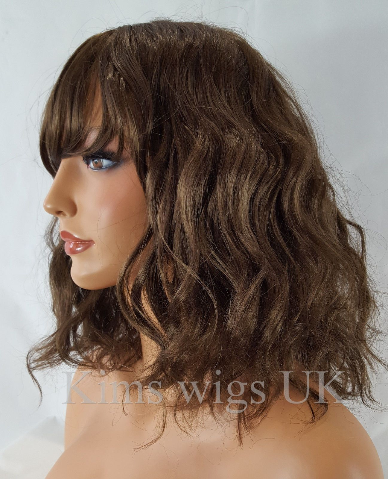 Amanda Medium Brown Shoulder Length Wavy Bob Wig